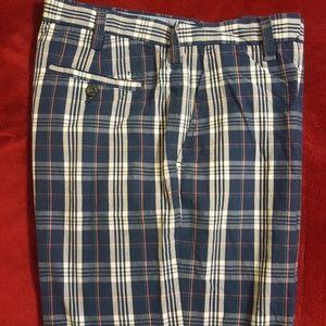 IZOD Men's golf shorts